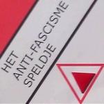 Rode-driehoek speldje